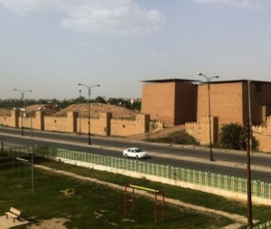 Nineveh_mashki_gate_from_west